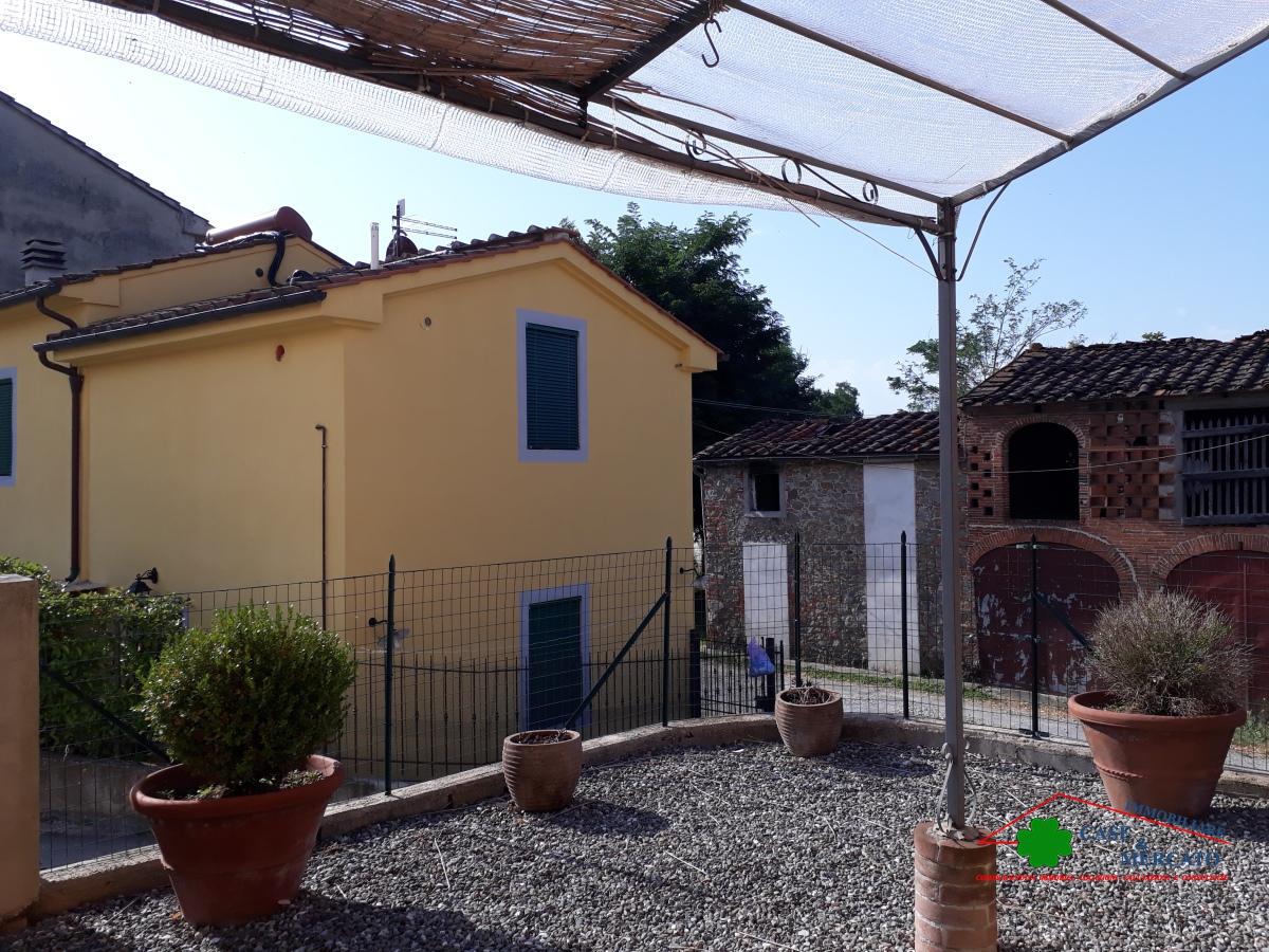 Casa Indipendente affitto CAPANNORI (LU) - 5 LOCALI - 80 MQ