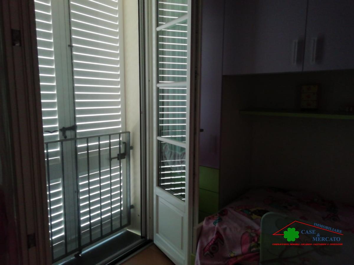 Casa Indipendente affitto LUCCA (LU) - 7 LOCALI - 250 MQ