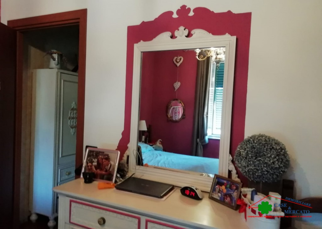 Sale Semi-Independent houses Lucca - Court terrace with garden and recently renovated parking spaces Locality