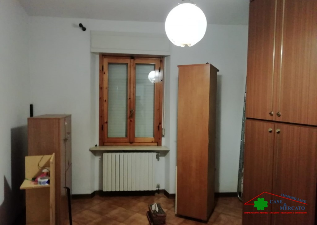 Sale Apartments Lucca - Spacious renovated apartment in borgata lucchese  Locality