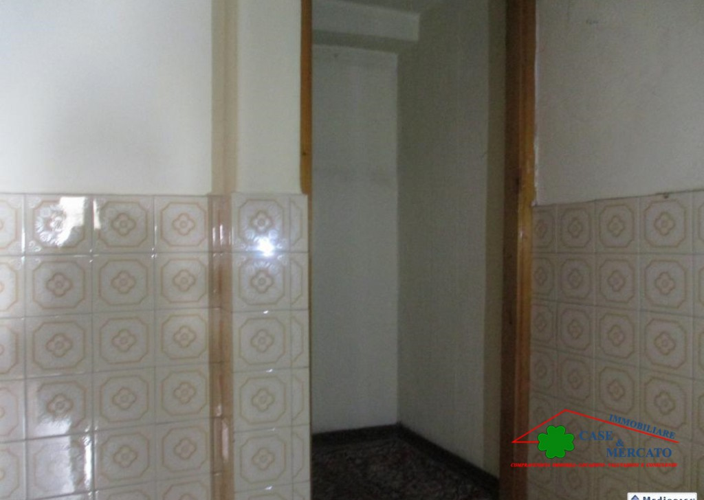 For Sale Semi-Independent houses Capannori - Flat Tower in the area served Locality