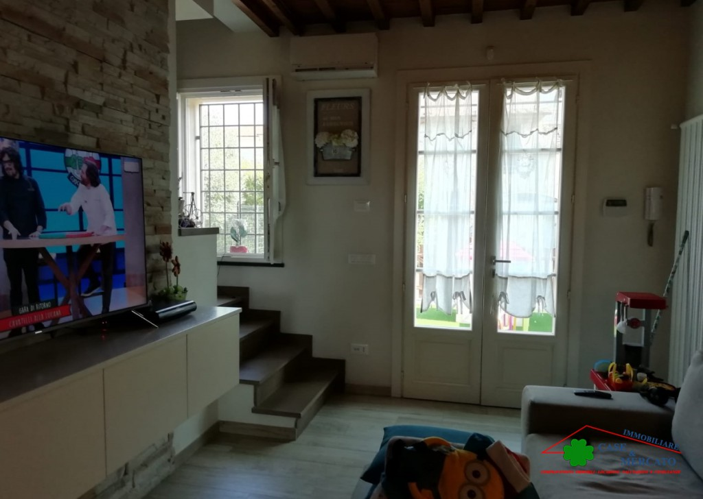 For Rent Semi-Independent houses Lucca - Detached house with garage and dependance large garden within walking distance from the Center. Locality