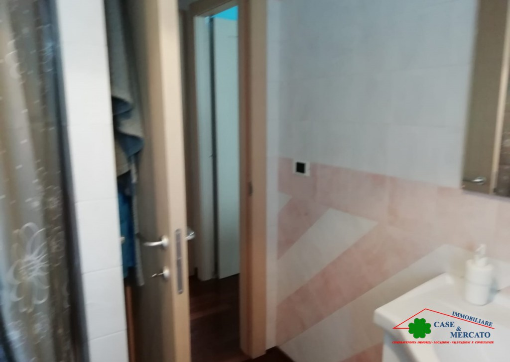 Sale Apartments Lucca - Apartment with garden and tavern in the area served Locality