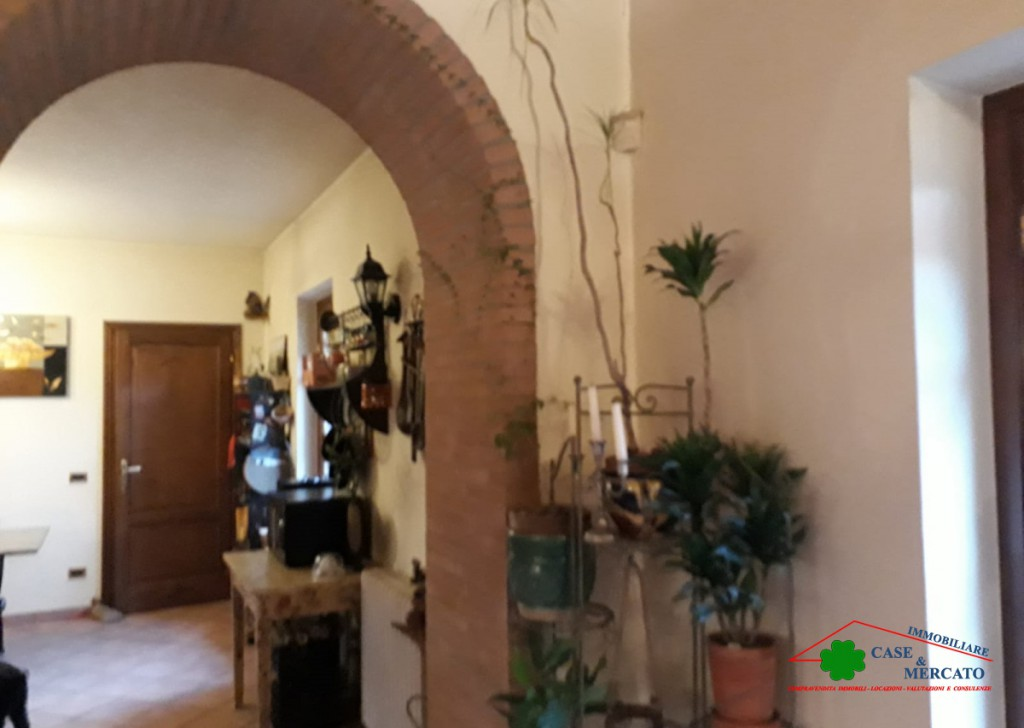 For Sale Villas Montecarlo - Casale and beautiful property in hilly area Locality
