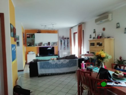 Apartment with terrace area served a few minutes from the city