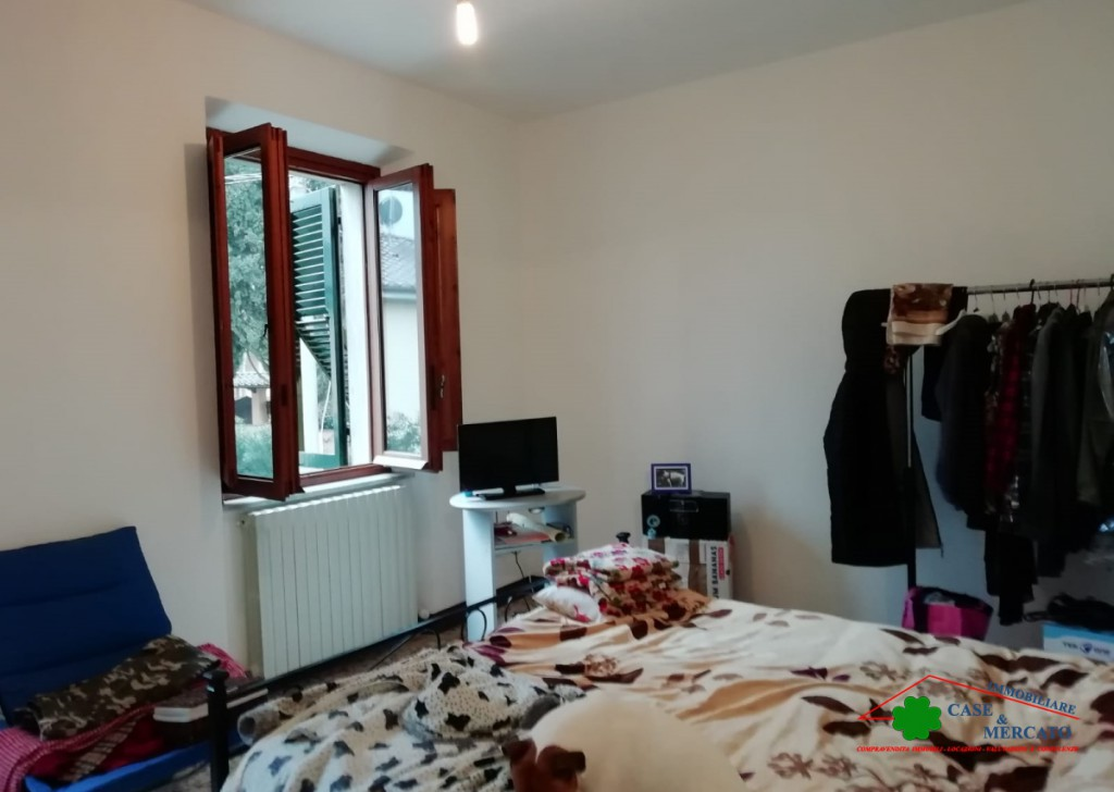 For Sale Semi-Independent houses Lucca - Flat with garden Locality