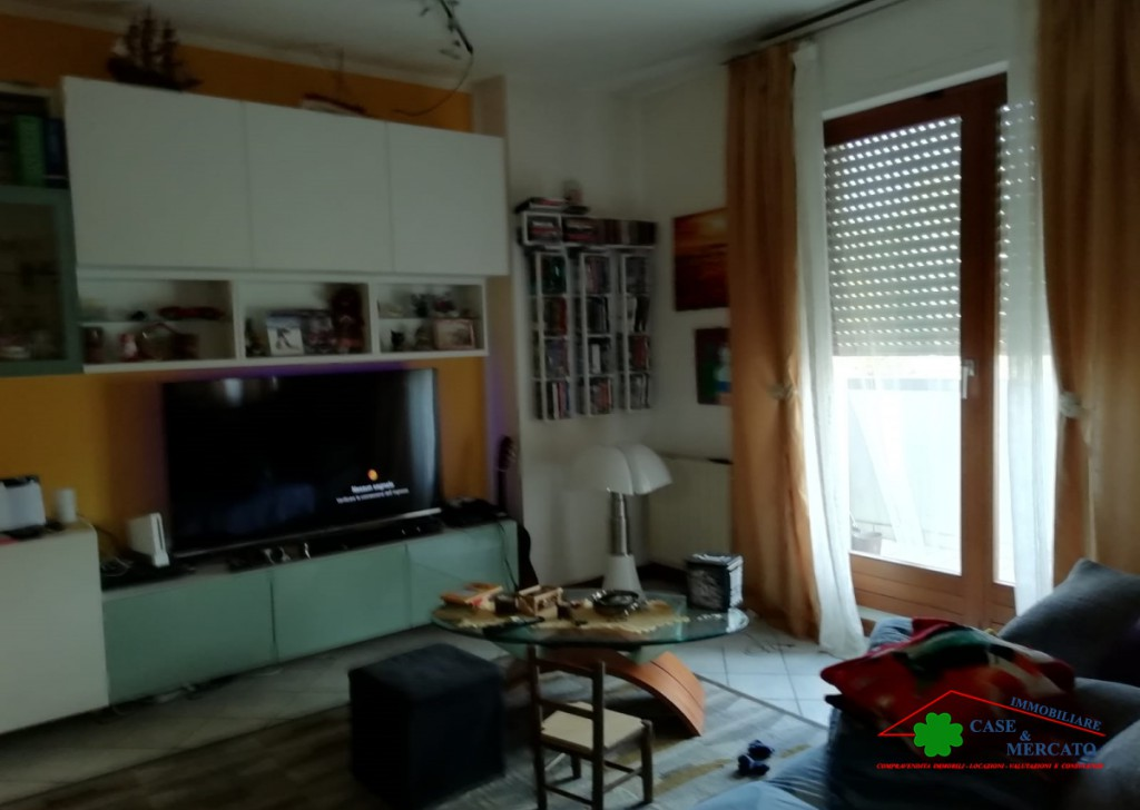Sale Apartments Lucca - Apartment with terrace area served by city  Locality