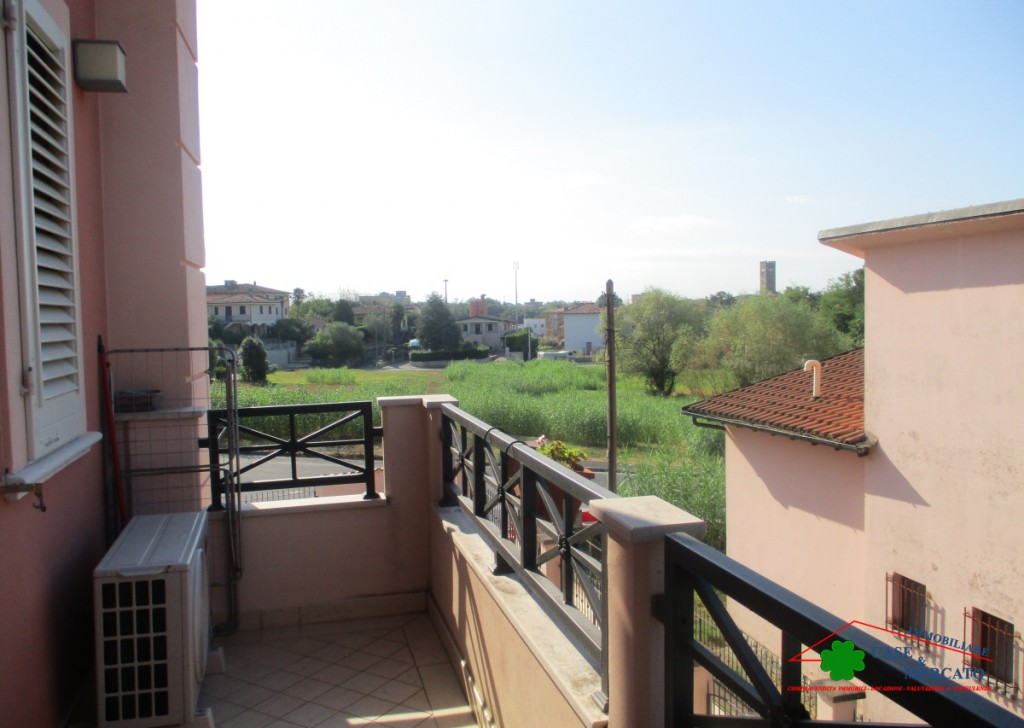 Sale Semi-Independent houses Altopascio - Terraced house with garden, terraces and garage Locality