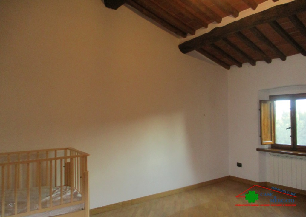For Sale Semi-Independent houses Lucca - Flat Tower in the area served in 8 km from Center Locality