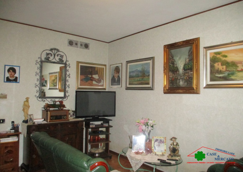 Sale Semi-Independent houses Capannori - Detached house with garage and yard Locality