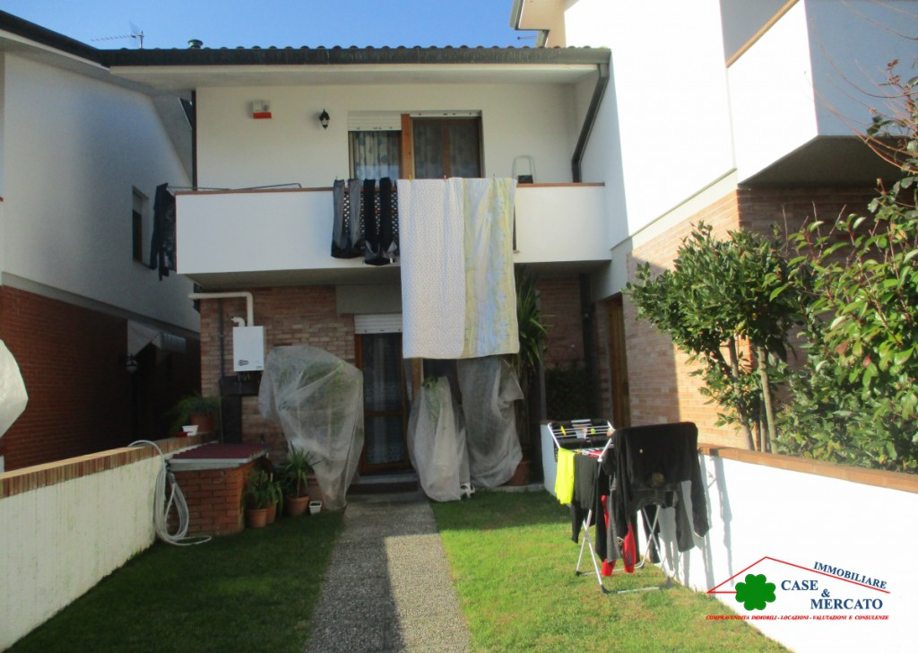 For Sale Semi-Independent houses Capannori - Terraced family house Locality