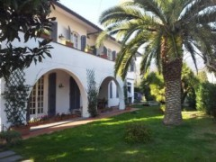 Gorgeous ground-floor villa apartment with independent entrance garden - 1