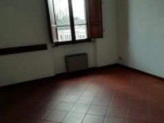 Large apartment with large terrace very close to the center - 12