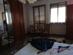 Single villa with garden on three sides to be refurbished - 22