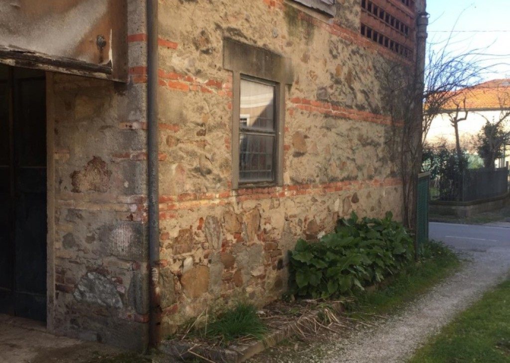 Sale Semi-Independent houses Capannori - HOUSE SEMINDEPENDENT WITH PRIVATE CORTILE AND AUTO POST Locality